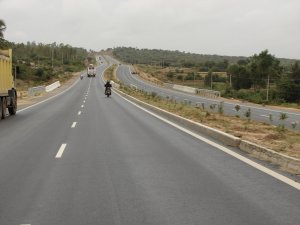 As straight as a needle - Cruising on NH4